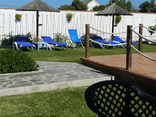 Piscina arena y mar zahora for Casas en zahora con piscina